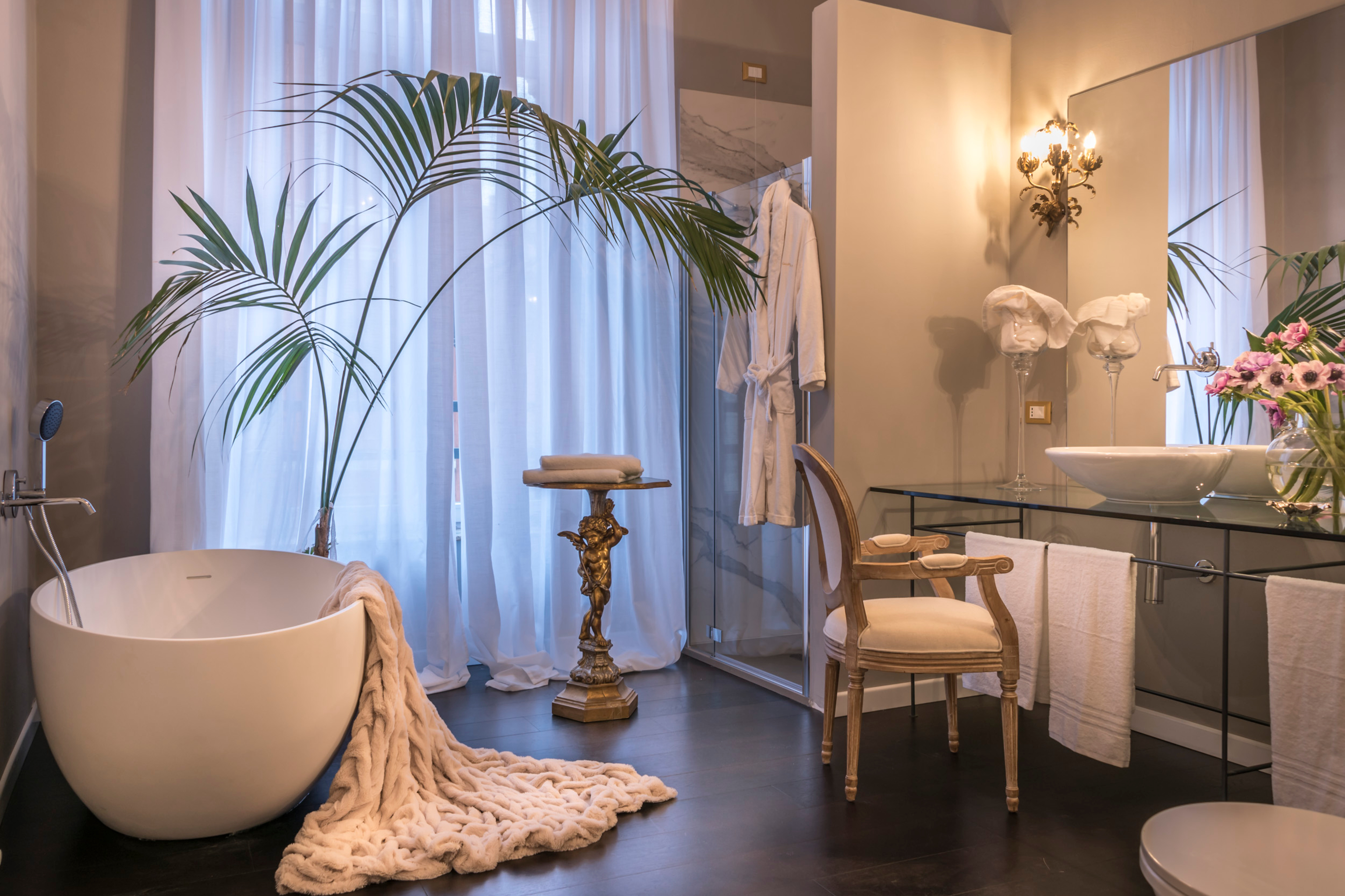 https://www.in-lombardia.it/sites/default/files/accomodation/gallery/101742/41859/arnaboldi_palace_suite_2_bagno.jpg