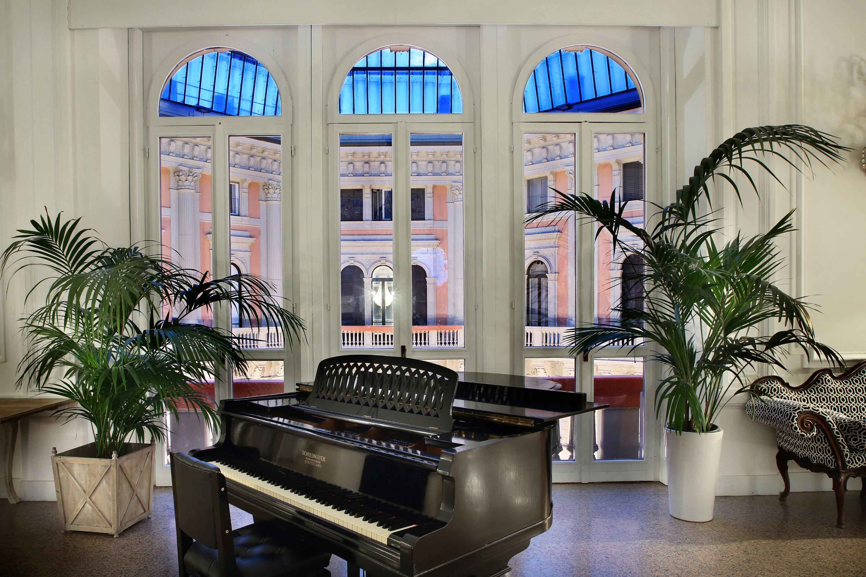 https://www.in-lombardia.it/sites/default/files/accomodation/gallery/101742/41866/arnaboldi_palace_il_pianoforte.jpg