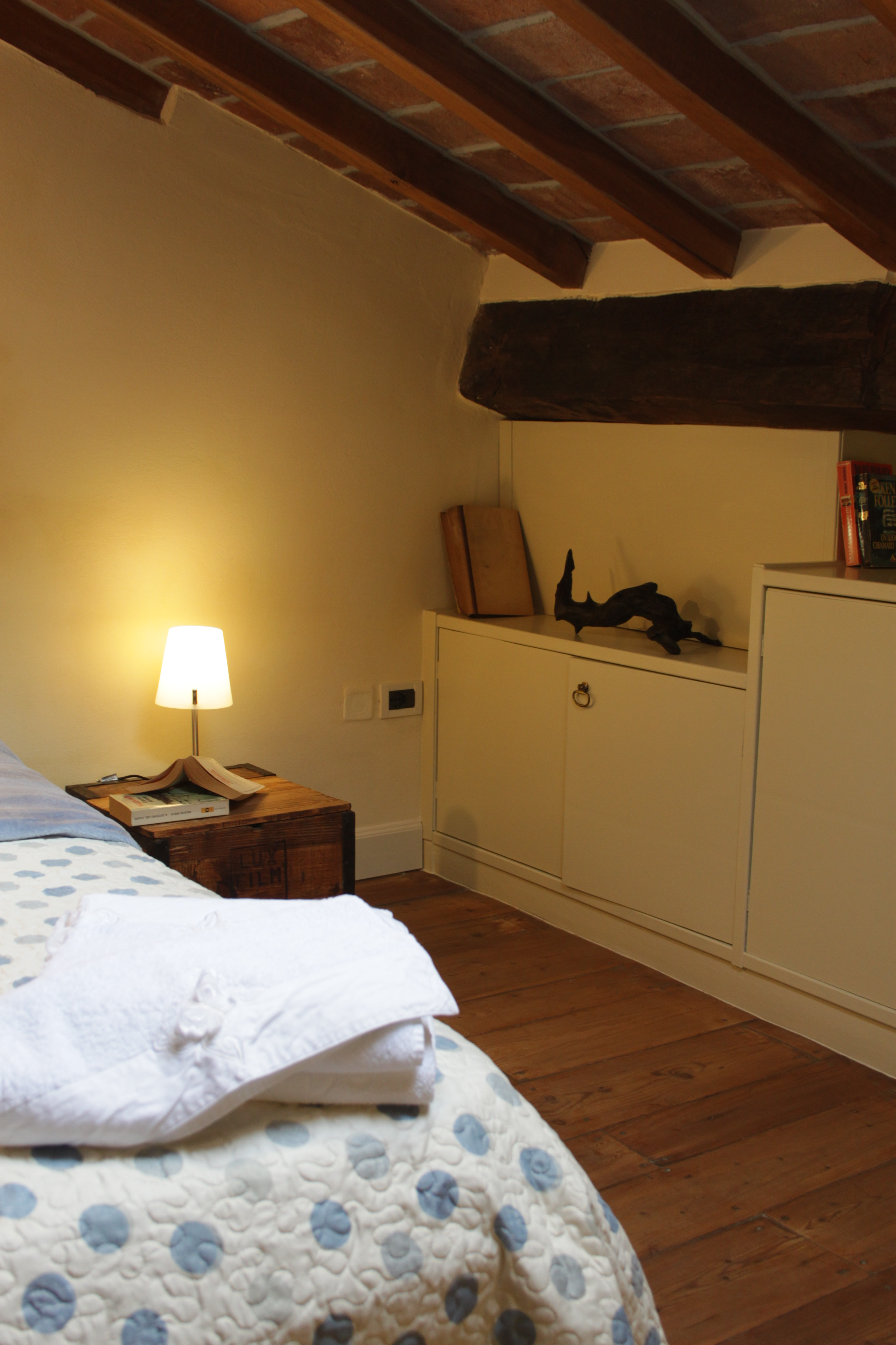 https://www.in-lombardia.it/sites/default/files/accomodation/gallery/104651/19617/letto.jpg
