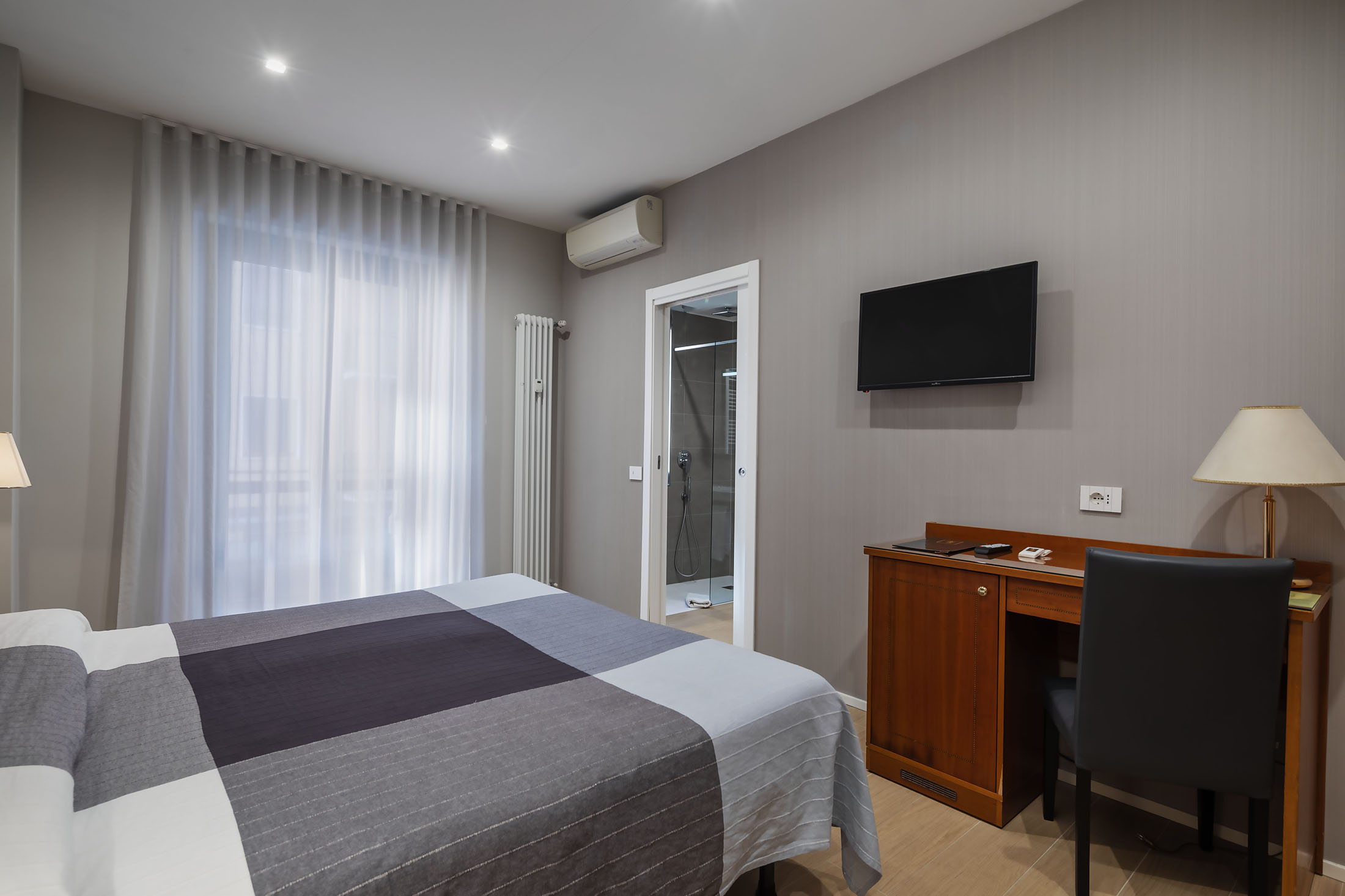 https://www.in-lombardia.it/sites/default/files/accomodation/gallery/105682/37629/excelsior_pavia_18.jpg