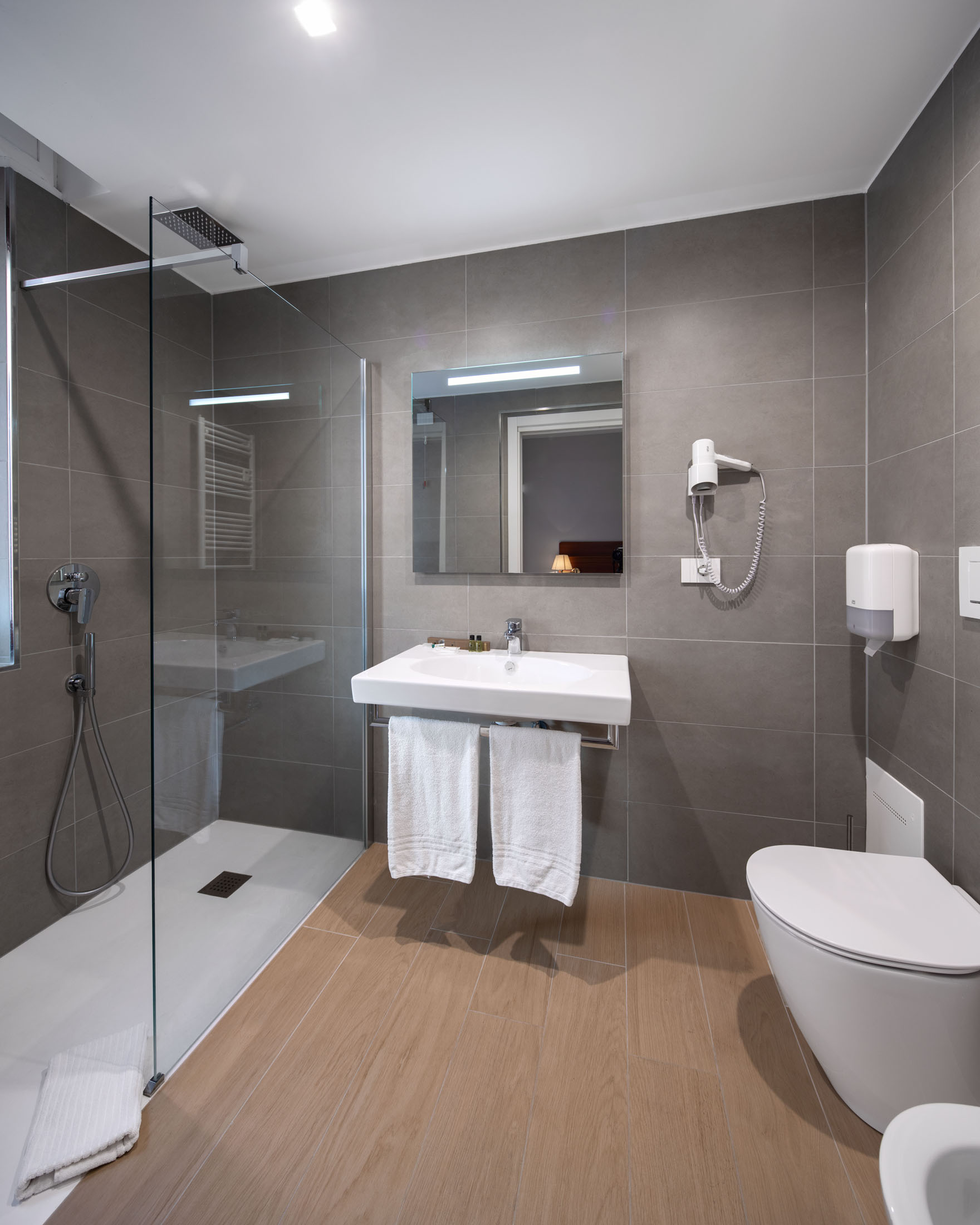 https://www.in-lombardia.it/sites/default/files/accomodation/gallery/105682/37630/excelsior_pavia_20.jpg