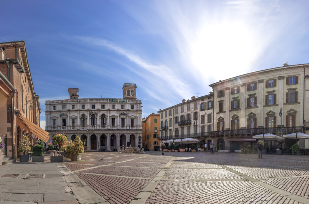 Bergamo citt alta citt alta bergamo citt palazzo for B b bergamo alta