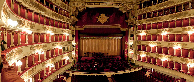 teatro alla scala - teatri milano - milano turismo - in-lombardia