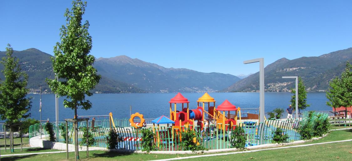 Il parco a lago di Luino