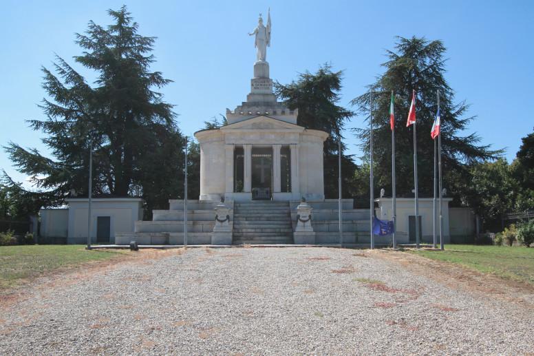 Ossario dei Caduti di Montebello della Battaglia