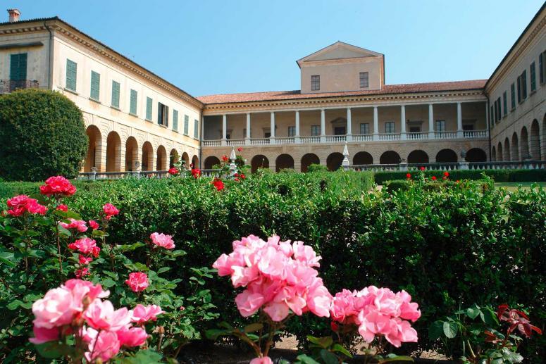 Villa Lechi, Monumenti Brescia