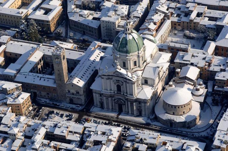 Plaza Paolo VI (antiguamente Plaza del Duomo)