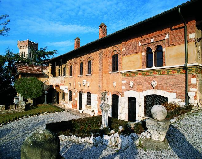 """Museo """"Casa del Podestà"""" - Fondazione Ugo da Como"""