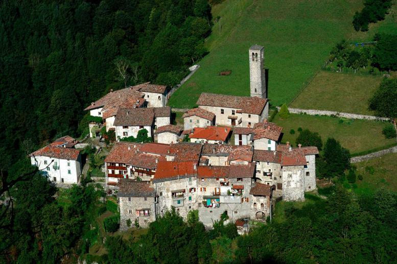 Borgo de Cornello dei Tasso