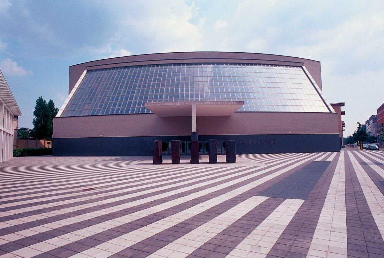 Teatro Arcimboldi, Teatri Milano