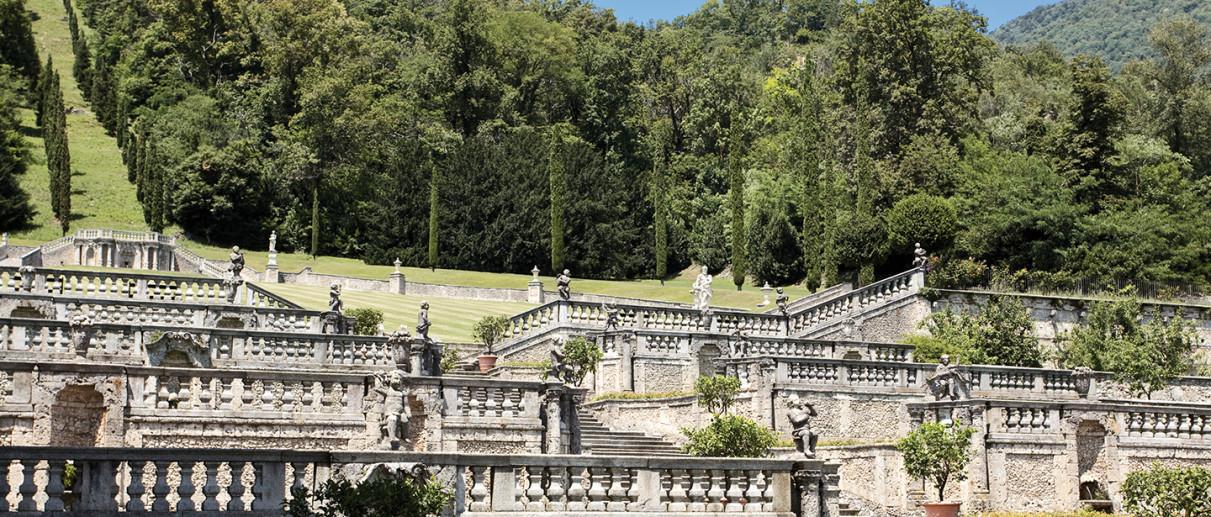 Villa Della Porta Bozzolo, Monumenti Varese