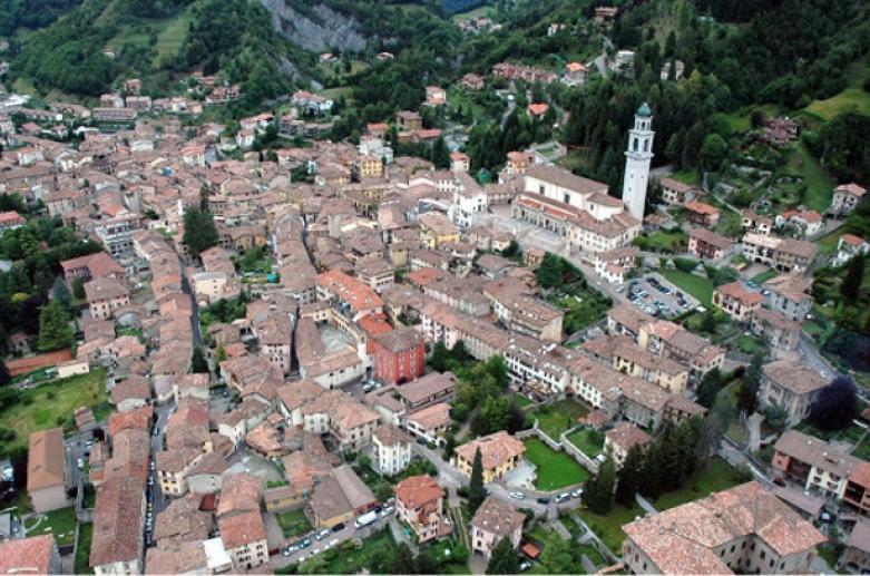 CLUSONE_Panorama centro storico_LIB_Foto Studio Alfa