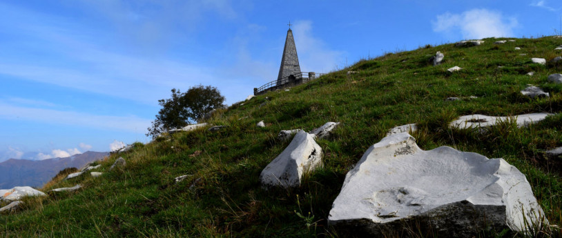 Monte San Primo e il Palanzone