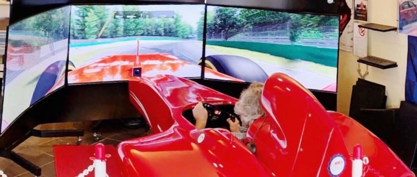 Simulazione di guida al Monza ENI Circuit