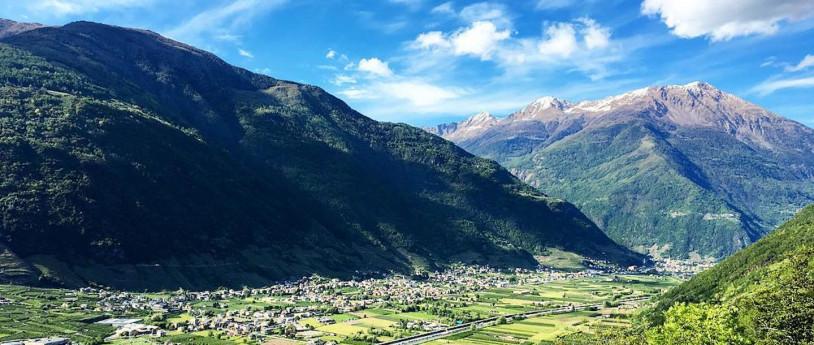 Un viaggio in Bassa Valtellina tra vigneti, contrade e palazzi storici