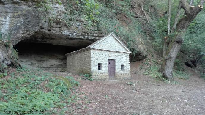 Castagnata in Grotta