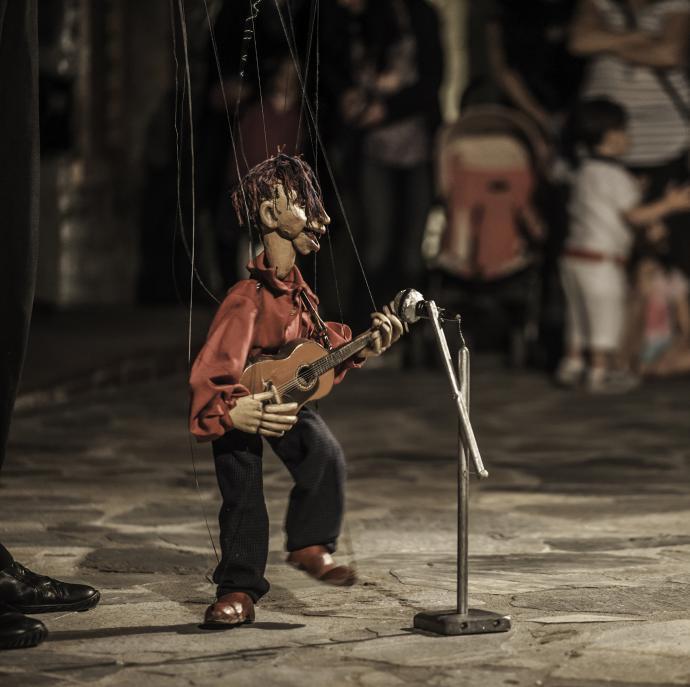 Antamapantahou marionette