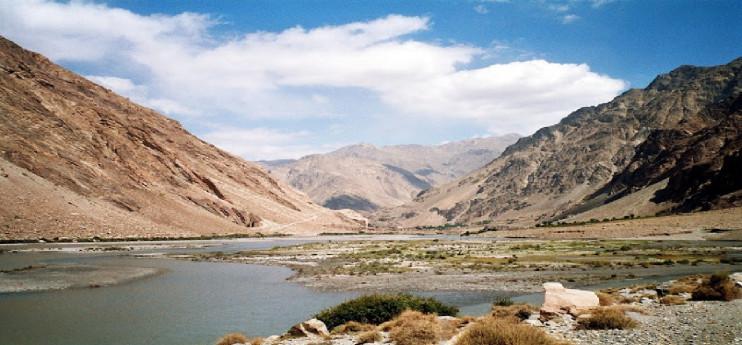 Lorenzo Merlo - Essere Terra - Viaggio verso l'Afghanistan