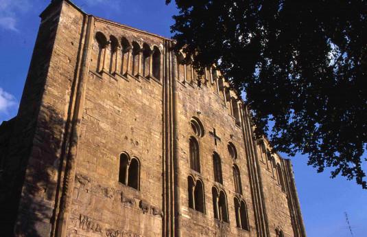 San Michele e il quartiere degli affreschi