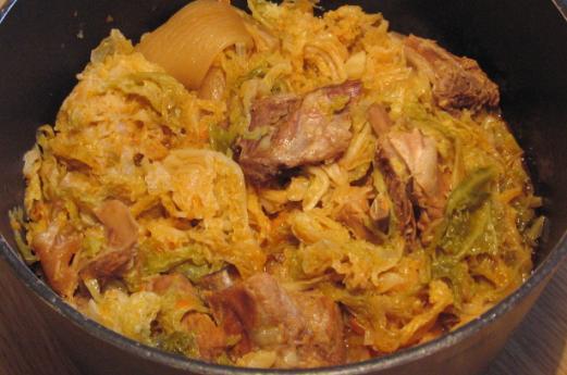 Storia e varianti della Cassoeula: un piatto povero… ma ricco