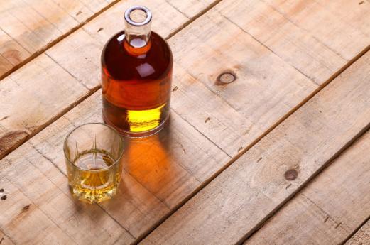 Liquori e distillati: dove si comprano dai monaci in Lombardia