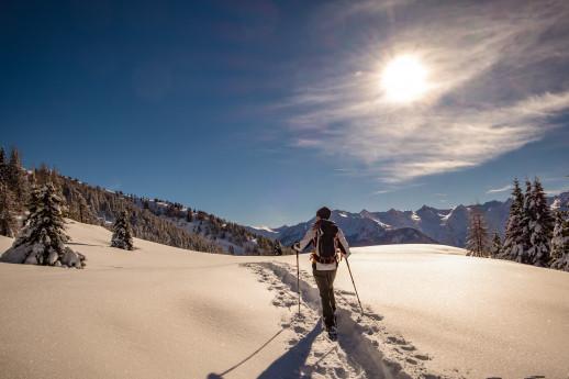 Snowshoe walking in Prato Valentino: Anello Dosso Laù