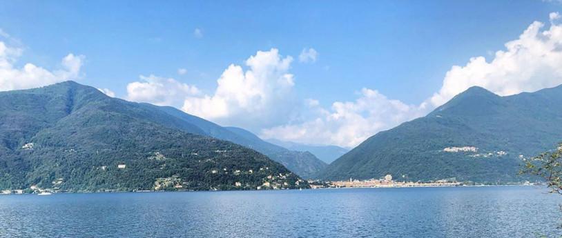 Sponda varesina del Lago Maggiore (Ph Ig:@sarah_hartwood)