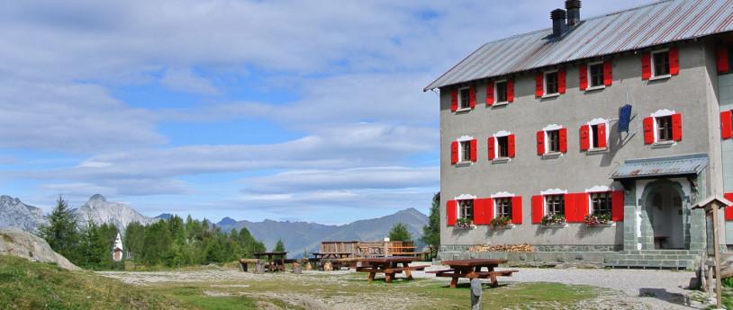 Alpine huts: Lombardy's best lookouts