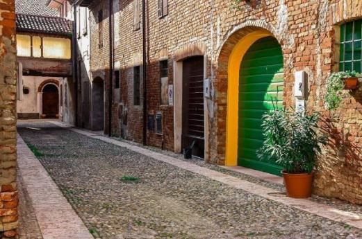 Boroughs Cremona, a hidden side of Lombardy