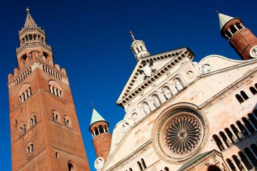 Monuments Cremona, visiting Lombardy
