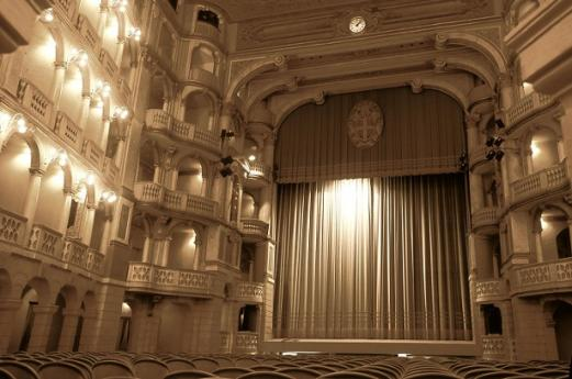 Theaters Pavia, cultural vacations in Lombardy