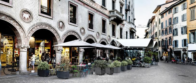 Bergamo: shopping and flavours