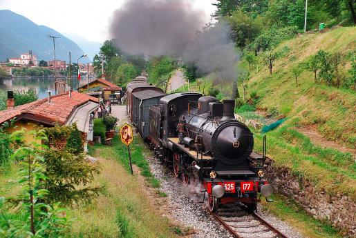 "Vintage Steam Trains in Lombardy: Camuna Tourist Railway and ""Treno dei sapori"""