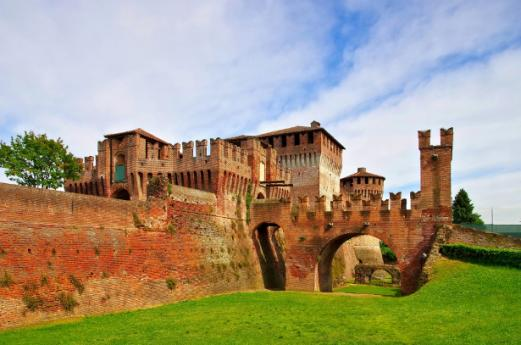 Walled Cities Bike Lanes Itinerary, pedalling in Lombardy