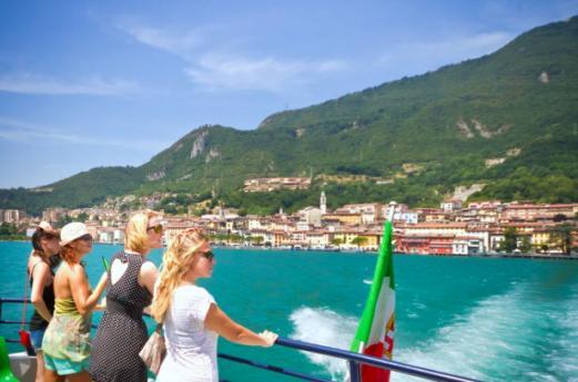 Cultura, natura, sport, spiagge e buon cibo sul Lago d'Iseo