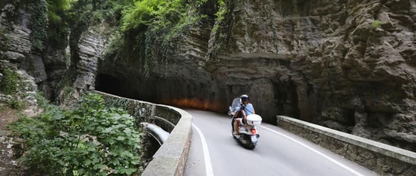La Strada della Forra e la Gardesana Occidentale in moto