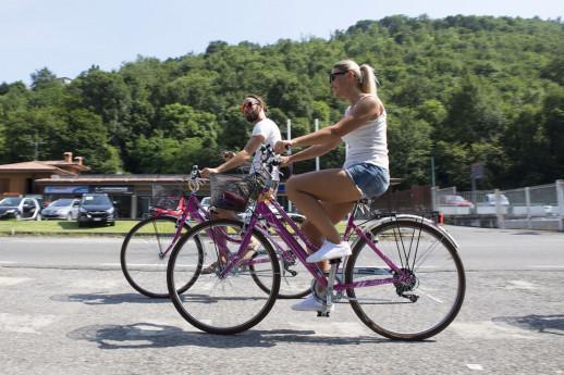 Noleggio biciclette muscolari adulti (uomo e donna) per la visita