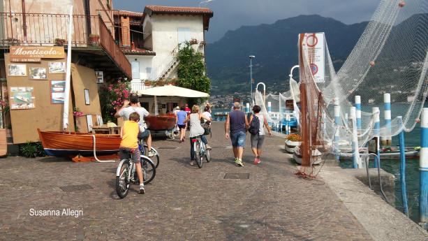 Battello e bicicletta o a piedi alla scoperta di Montisola