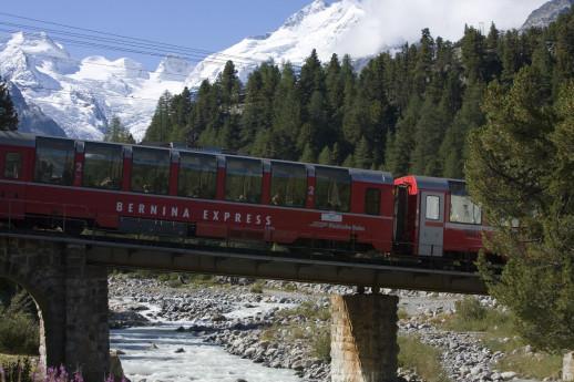 Trenino Rosso del Bernina in giornata