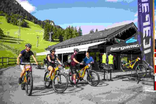 E-bike Tour - Altopiano di Clusone, arte, cultura e natura