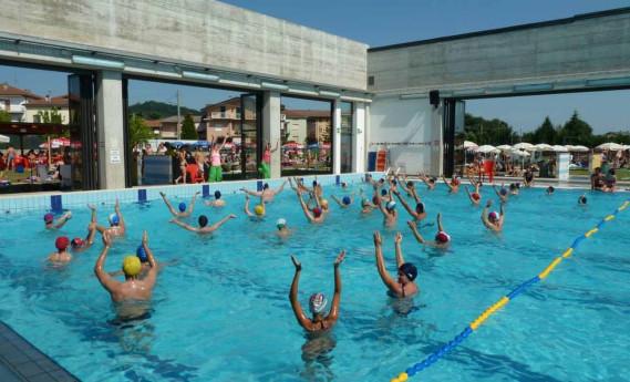 Ingresso al parco esitvo delle piscine di Ponte S. Pietro
