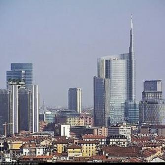 Trekking tra i grattacieli di P.ta Garibaldi e P.ta Nuova