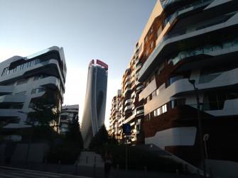 Milano Citylife: il Dritto, lo Storto e il Curvo