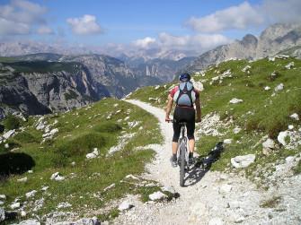 Sulle vette della Valtellina e-bike tour