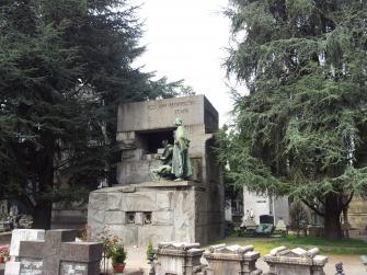 Il cimitero monumentale: luogo di silenzio e suggestione