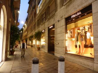 Uno sguardo in guardaroba: la Milano della moda.