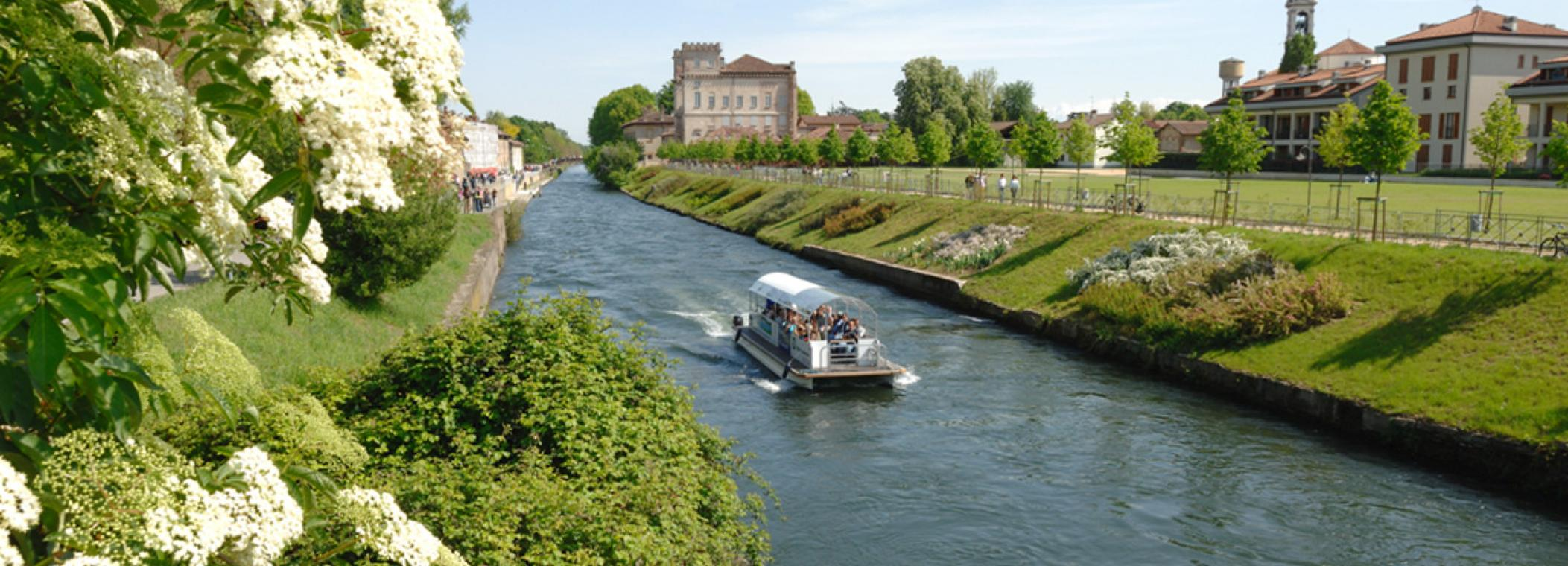 Book your trip on the Navigli!