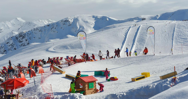 Skifahren in der Lombardei: 4 Skigebiete zum Saisonauftakt