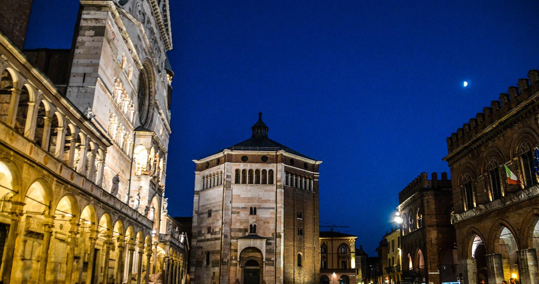 La Piazza del Comune a Cremona @Davide Tiezzi