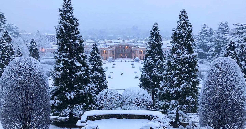 Il fascino della neve sui Giardini Estensi di Varese @smiky